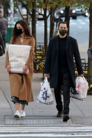 Katie Holmes and Emilio Vitolo Out Shopping in New York 2020/11/16 4