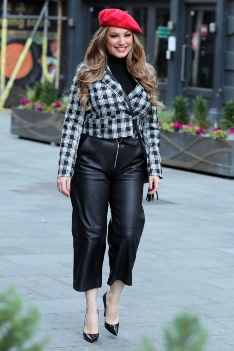 Kelly Brook in Black Leather Long Skirt at Heart Radio in London 2020/11/23 8
