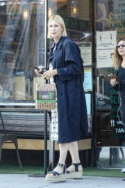 Kelly Rutherford at Kreation Organic Juicery in West Hollywood 2020/10/22 3