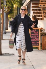 Kelly Rutherford at Kreation Organic Juicery in West Hollywood 2020/10/22 5