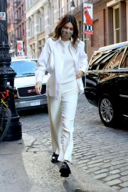 Kendall Jenner in Fully White Outfit Out in New York 2020/11/22 1