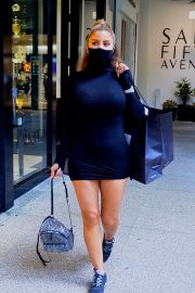 Larsa Pippen flashes her legs in a Tight Black Dress Out Shopping in Los Angeles 2020/11/25 1