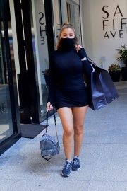Larsa Pippen flashes her legs in a Tight Black Dress Out Shopping in Los Angeles 2020/11/25 3