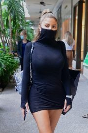 Larsa Pippen flashes her legs in a Tight Black Dress Out Shopping in Los Angeles 2020/11/25 8