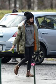Lucy Hale Out with Her Dog in New York 2020/11/26 1