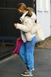 Maisie Smith Leaves Strictly Come Dancing Rehearsals in London 2020/11/26 2