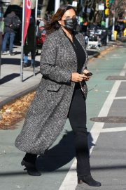Mariska Hargitay on the set of Law & Order Special Victims Unit in New York 2020/11/16 4
