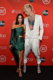 Megan Fox and Machine Gun Kelly attend 2020 American Music Awards in Los Angeles 2020/11/22 3