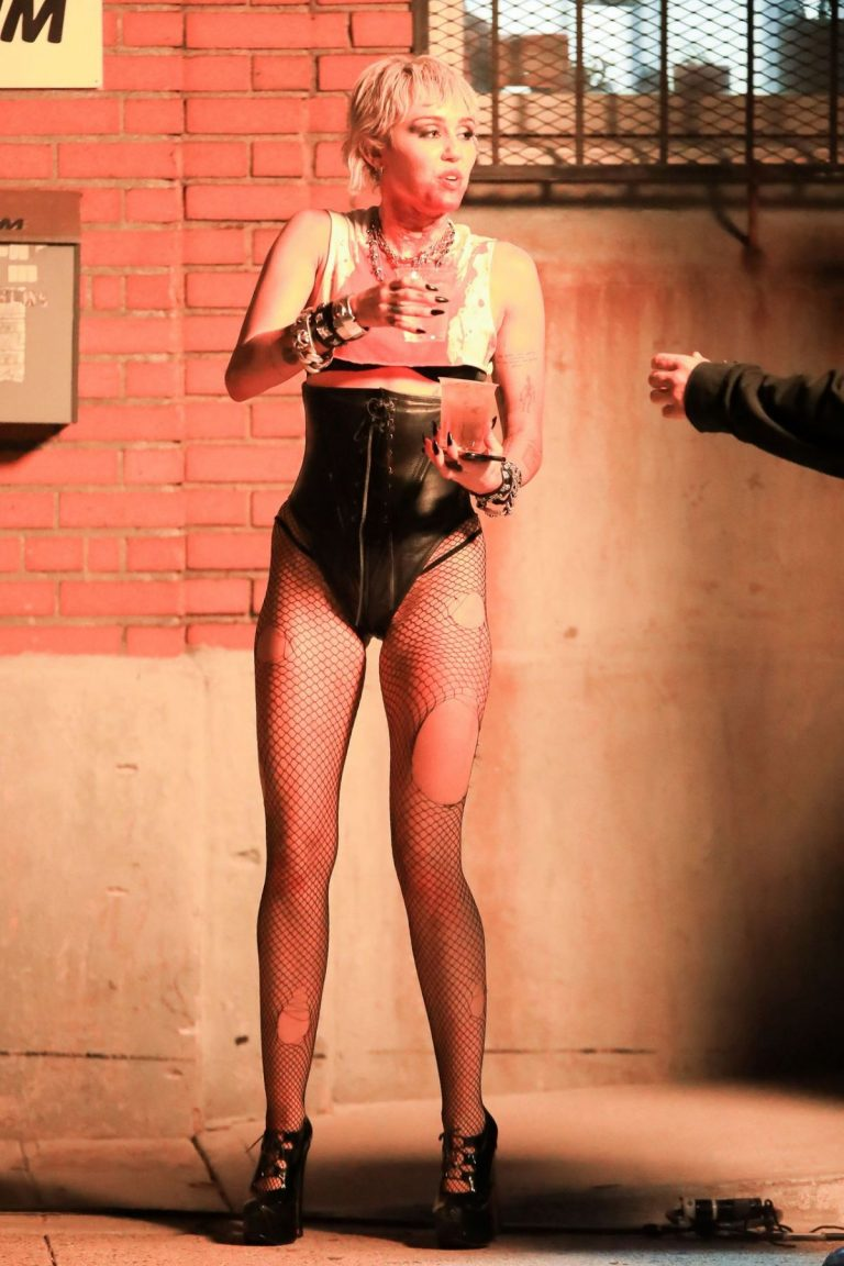 Miley Cyrus flashes her legs during Her Music Video Shoot in Brooklyn 10/01/2020 6