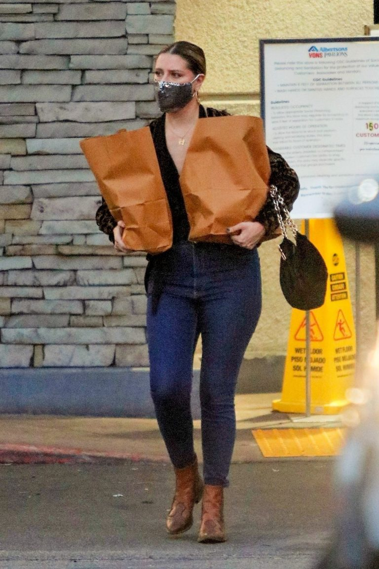Mischa Barton Out Shopping in Los Angeles 2020/10/22 1