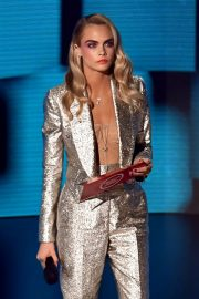 Model Cara Delevingne at American Music Awards 2020 in Los Angeles 2020/11/22 1