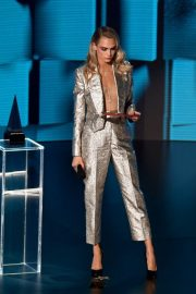 Model Cara Delevingne at American Music Awards 2020 in Los Angeles 2020/11/22 3
