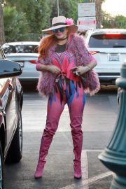 Phoebe Price in Pinky Pinky Outfit Out in Los Angeles 2020/11/16 1