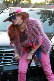 Phoebe Price in Pinky Pinky Outfit Out in Los Angeles 2020/11/16 2