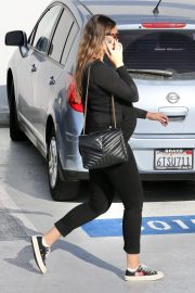 Pregnant April Love Geary Arrives at Doctor's Office in Santa Monica 2020/11/23 9