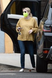 Pregnant Emma Roberts in Mellow Color Top with Dark Jeans Out in Los Angeles 2020/11/23 1