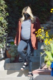 Pregnant Emma Roberts Out on Thanksgiving Day in Los Angeles 11/25/2020 8