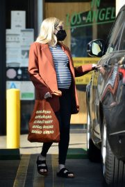 Pregnant Emma Roberts Out on Thanksgiving Day in Los Angeles 11/25/2020 10