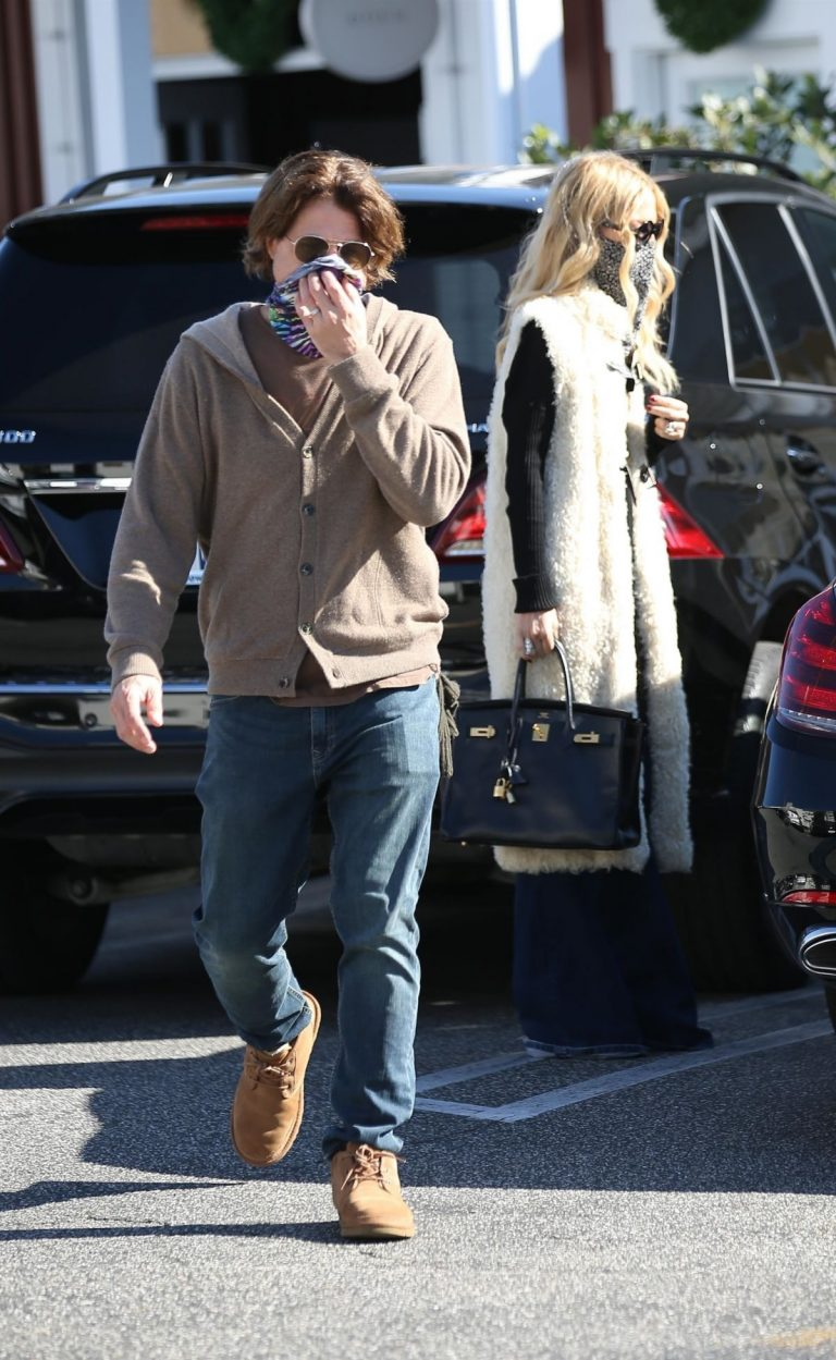 Rachel Zoe and Rodger Berman at Brentwood Country Mart 2020/11/15 4