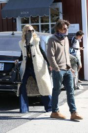 Rachel Zoe and Rodger Berman at Brentwood Country Mart 2020/11/15 5