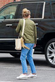 Reese Witherspoon Out and About in Hollywood 2020/10/23 3