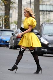Rita Ora in Yellow Short Skirt Out and About in London 2020/11/23 1