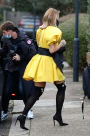 Rita Ora in Yellow Short Skirt Out and About in London 2020/11/23 6