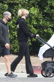 Sophie Turner and Joe Jonas Out and About in Los Angeles 2020/10/21 3