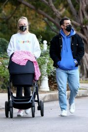 Sophie Turner and Joe Jonas Out with Daughter Willa in Los Angeles 11/27/2020 9