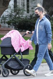 Sophie Turner and Joe Jonas Out with Their Daughter Willa in Los Angeles 2020/11/22 2
