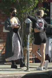 Vanessa Hudgens and GG Magree Out for Coffee in Los Feliz 2020/11/21 4