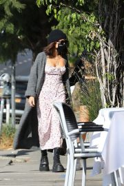 Vanessa Hudgens and GG Magree Out for Coffee in Los Feliz 2020/11/21 7