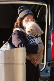 Vanessa Hudgens with Her Dog at JFK Airport in New York 2020/11/16 8
