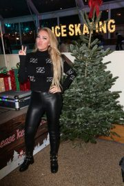 Aisleyne Horgan-Wallace at Lakeside Skating Ring Press Night 12/04/2020 3