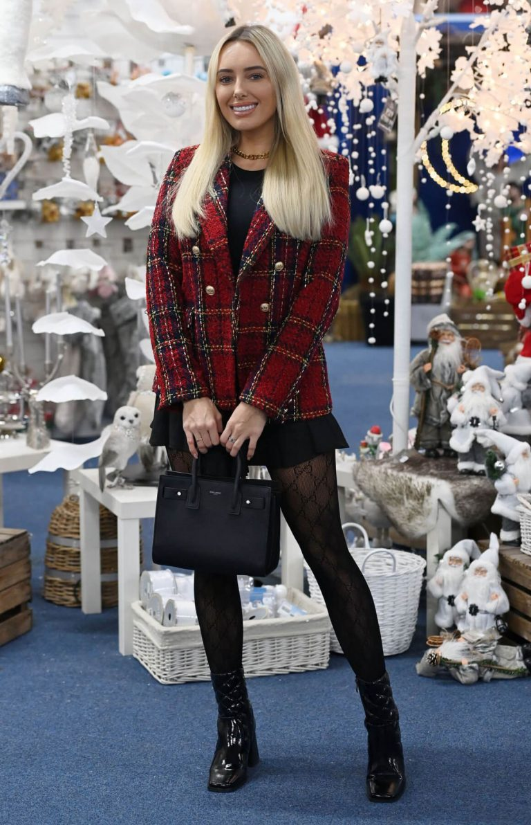 Amber Turner in Short Black Skirt on the Set of TOWIE Christmas Special 12/02/2020 4