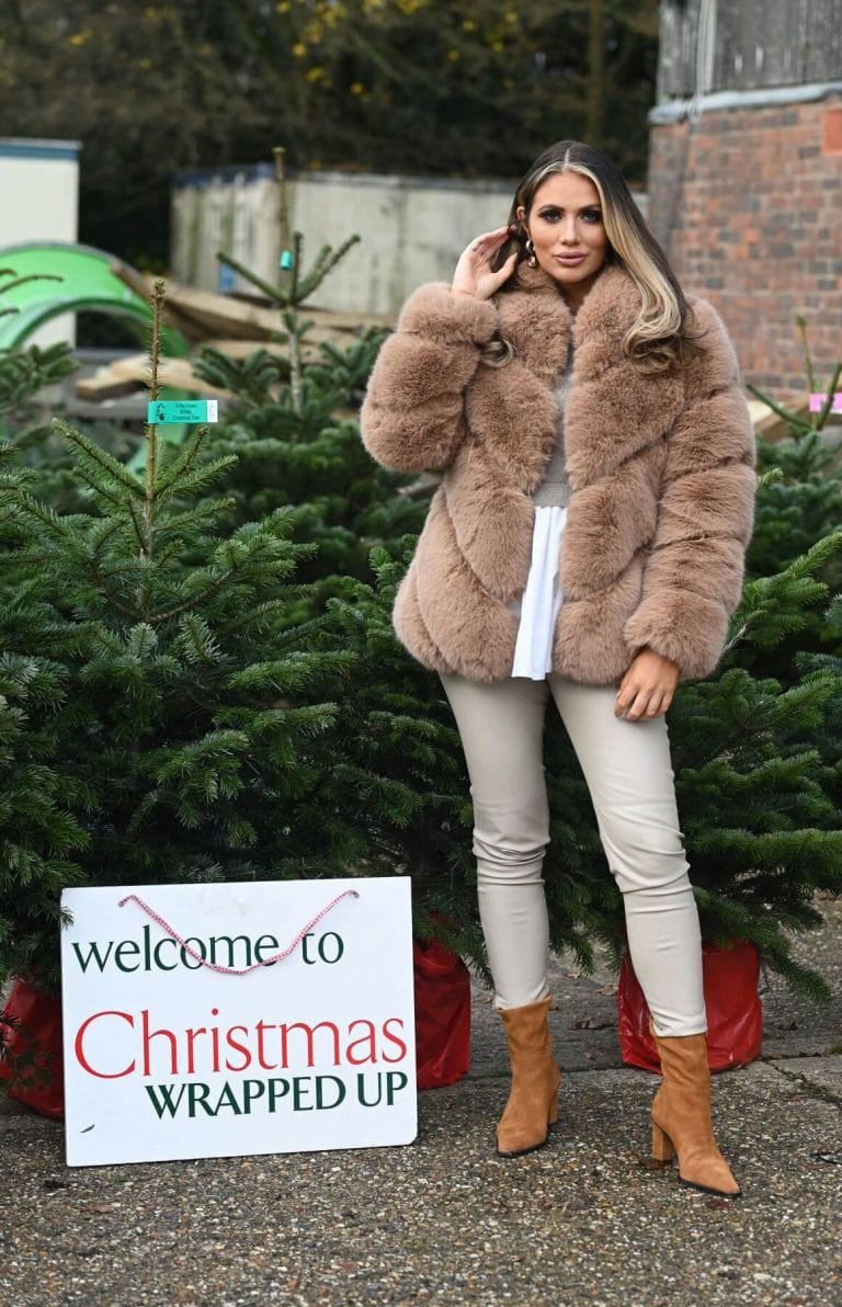 Amy Childs on the Set of The Only Way is Essex Christmas Special in London 11/30/2020 5