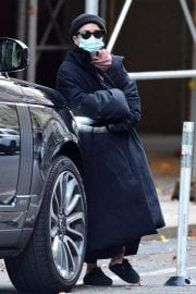 Ashley Olsen om Long Overcoat Out and About in New York 11/29/2020 4