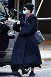 Ashley Olsen om Long Overcoat Out and About in New York 11/29/2020 6