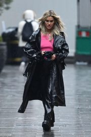 Ashley Roberts after Leaves Global Studios in London 12/03/2020 8