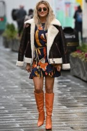 Ashley Roberts in Long Boots Leaves Heart FM in London 12/01/2020 3