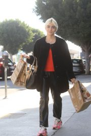 Charlene Laurent Out for Thanksgiving Shopping in Hollywood 11/25/2020 5