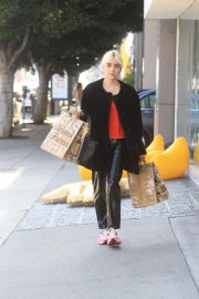 Charlene Laurent Out for Thanksgiving Shopping in Hollywood 11/25/2020 6
