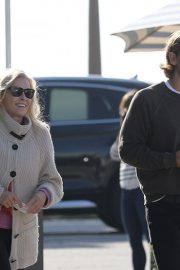 Chelsea Handler Out for Lunch at Blue Plate Oysterette in Santa Monica 11/24/2020 1