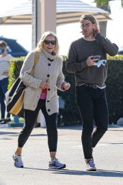 Chelsea Handler Out for Lunch at Blue Plate Oysterette in Santa Monica 11/24/2020 3