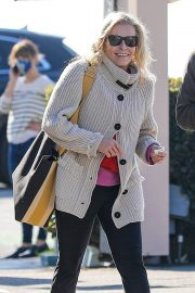 Chelsea Handler Out for Lunch at Blue Plate Oysterette in Santa Monica 11/24/2020 6