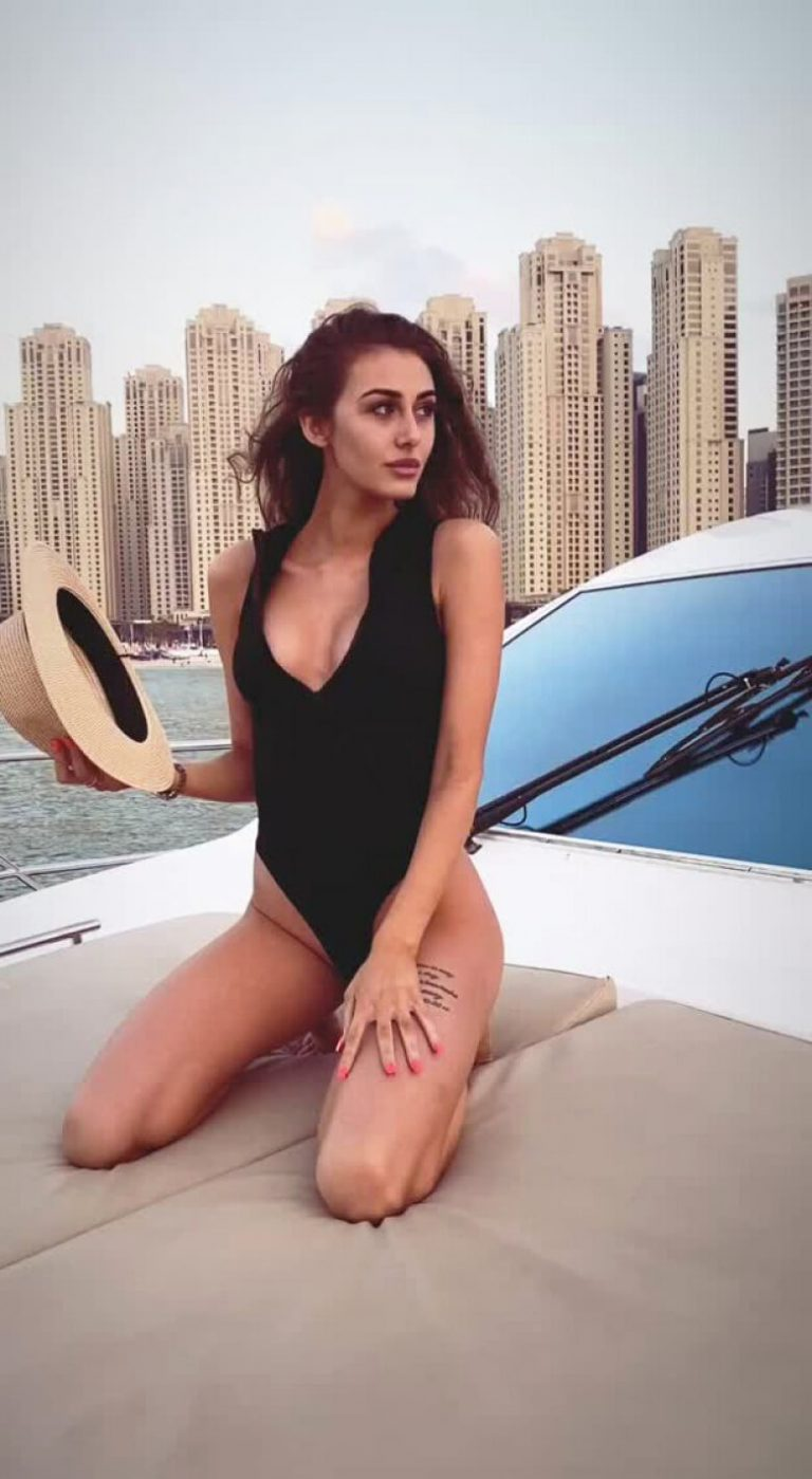 Chloe Veitch in Black Swimsuit - Instagram Photos 12/05/2020 5