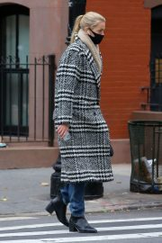 Daphne Groeneveld seen Long Coat after leaves for Lunch in New York 12/02/2020 4