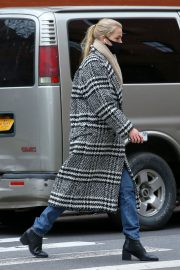 Daphne Groeneveld seen Long Coat after leaves for Lunch in New York 12/02/2020 6