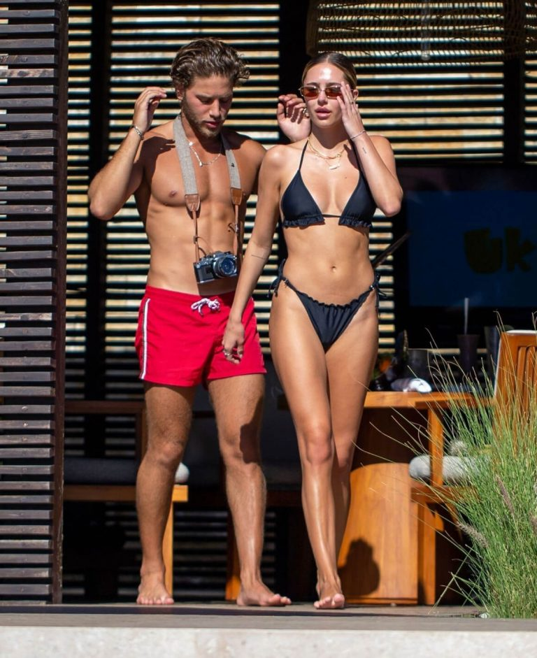 Delilah Belle Hamlin in a Black Bikini with her Boyfriend in Mexico 11/30/2020 9