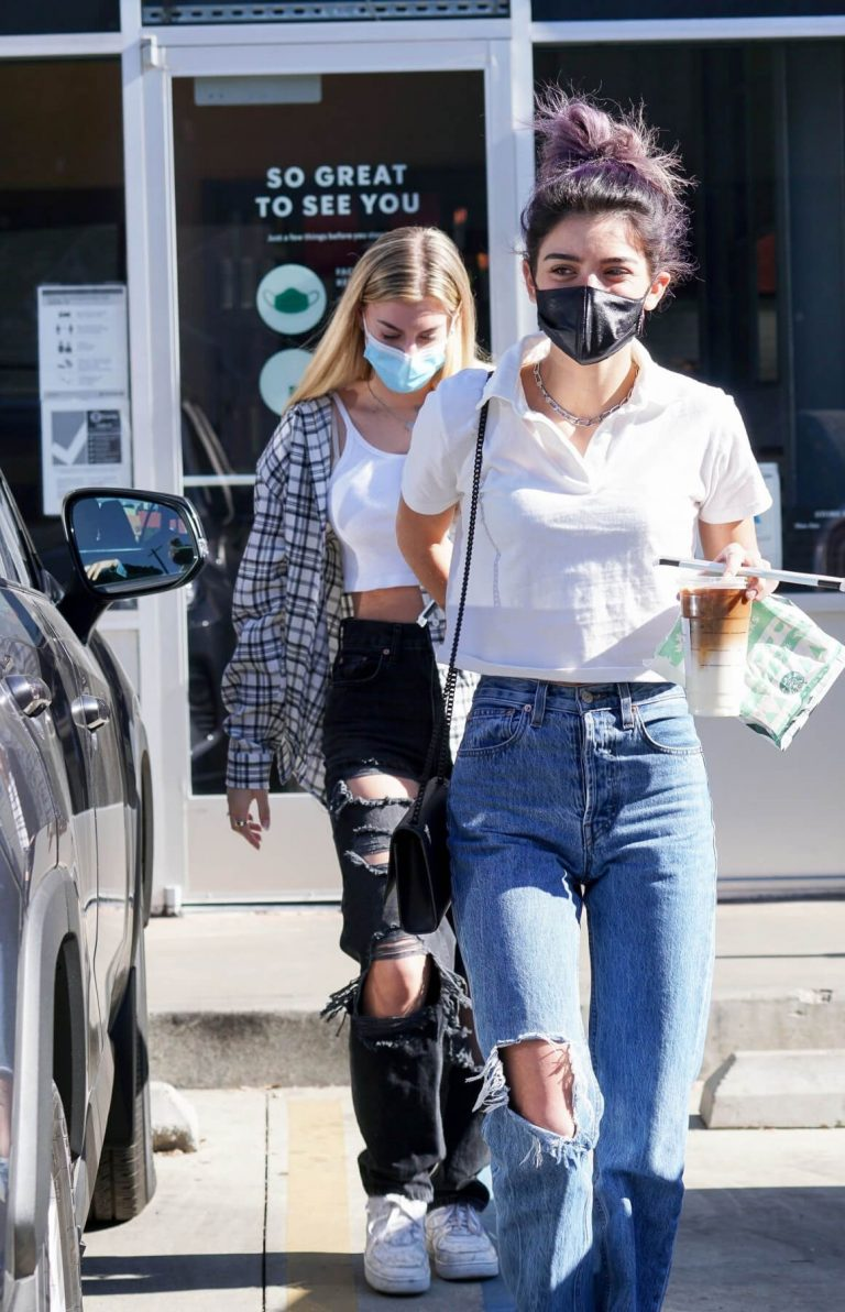 Dixie D'Amelio Out for Coffee on Melrose Ave in West Hollywood 12/04/2020 8